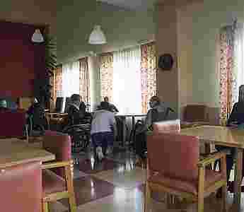 Sala de estar y TV_75